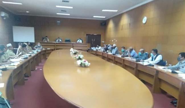 Suasana rapat di DPRD Siak<br>