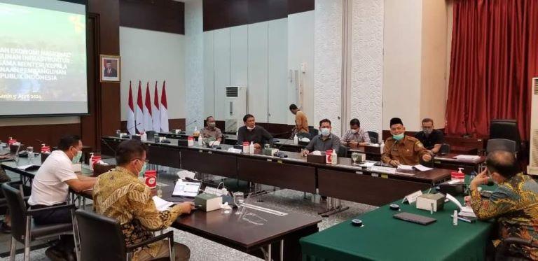 Walikota Dumai temui Menteri PPN di Jakarta bahas penanganan banjir dan Rob di Dumai, Senin (6/4/2021).