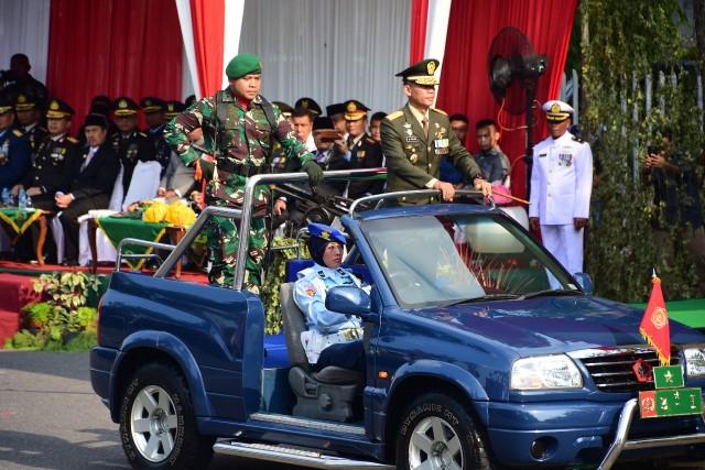 Peringatan HUT ke-74 TNI yang dipusatkan di Jalan Gajah Mada, Kota Pekanbaru
