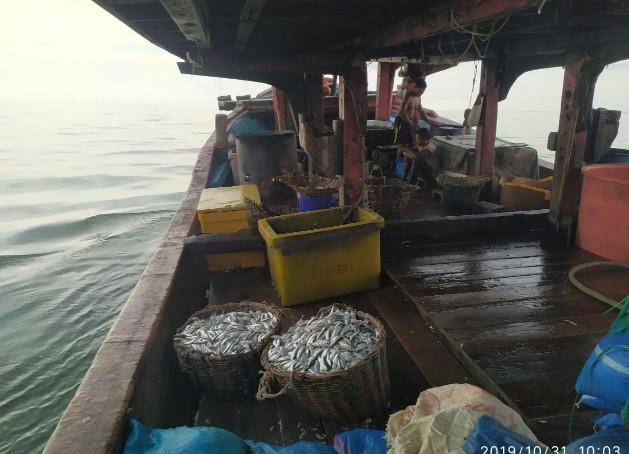 Kapal pencari ikan asal Sumut yang ditangkap Ditpolair Polda Riau.