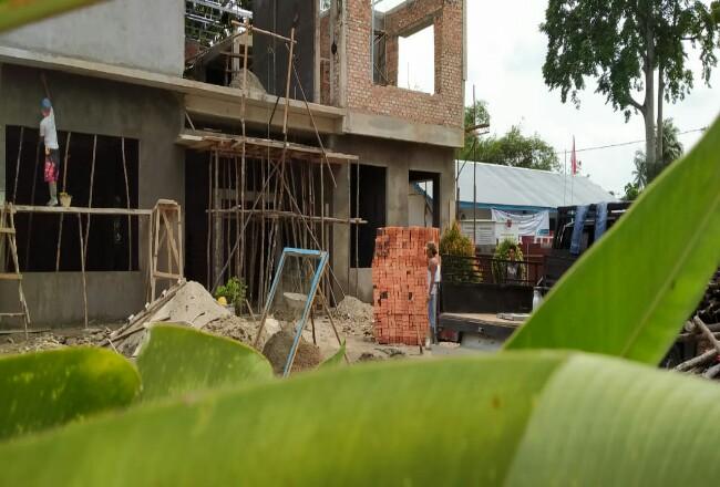 Pembangunan kantor PLN Rayon Pasir Pangaraian tetap berjalan, padahal IMBnya belum ada, karena ditolak Dinas PUPR Rohul alamat kantor tak sesuai, juga izin ruko satu lantai nyatanya dibangun dua lantai.