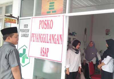 Fraksi PKS DPRD Pekanbaru meninjau kesiapan posko penanggulangan asap di Puskesmas.