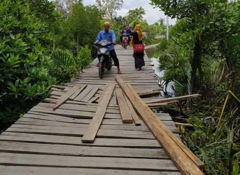 Jembatan Sungai Dedap.