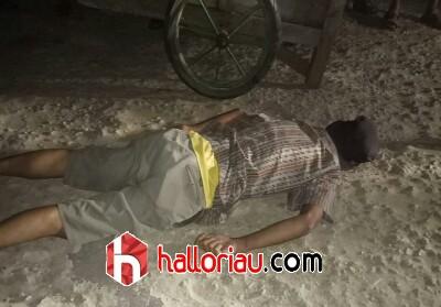 Kondisi sosok mayat yang ditemukan warga di Kecamatan Enok.