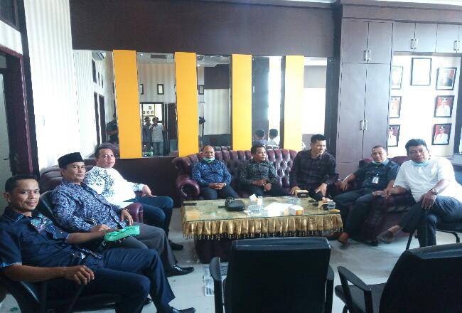 Fraksi DPRD Rohil sepakat menggeser dana reses untuk sembako.