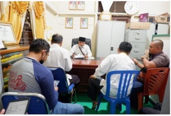 Rapat terkait pendistribusian zakat Paket Premium Ramadan Baznas Inhil.