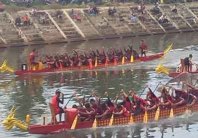 Tim dayung Dragon Boat Inhu meraih juara II di ajang Kampar International Dragon Boat 2019.