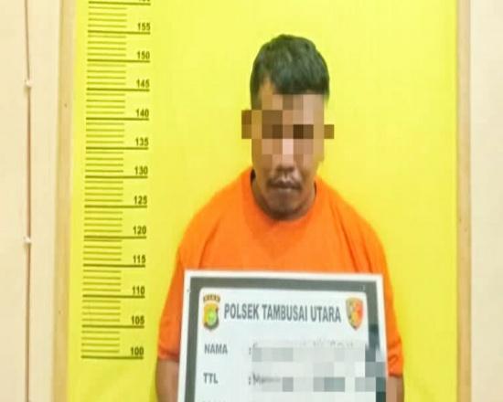 Pelaku ditangkap polisi saat menulis nomor judi online Kim di salah satu warung.