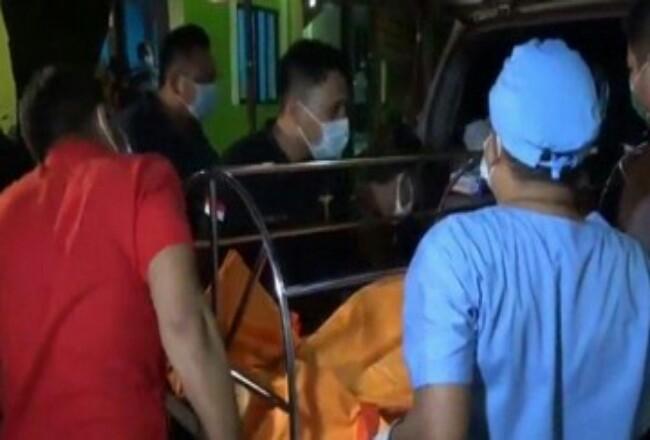 Jenazah Cai Changpan diautopsi di RS Polri. Foto: CNNIndonesia