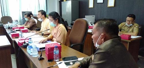 Hearing Komisi I bersama guru bantu dipimpin Ketua Komisi III Yasser Hamidy