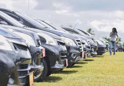 Mobil dinas Pemprov Riau segera dilelang.