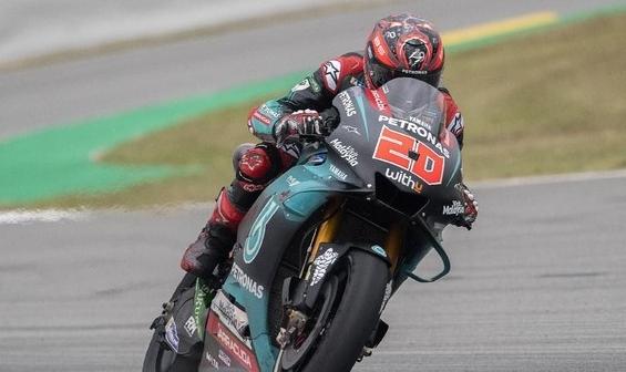 Fabio Quartararo merebut pole position di MotoGP Catalunya. FOTO: Mirco Lazzari gp / Getty Images