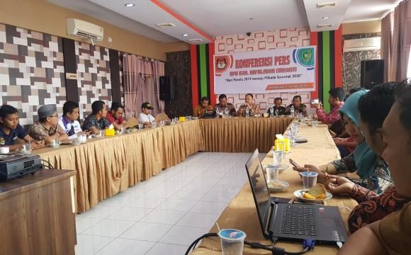Komisi Pemilihan Umum (KPU) Kepulauan Meranti menggelar konferensi pers pada Rabu (23/10/2019) bertempat di Hotel Dyva, Selatpanjang.