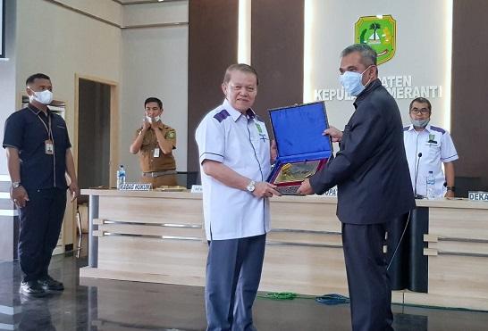 Suasana Safari Akademik Program Pascasarjana Universitas Islam Riau dengan Pemerintah Kabupaten Kepulauan Meranti di Selatpanjang pada Senin pagi (22/02 2021).