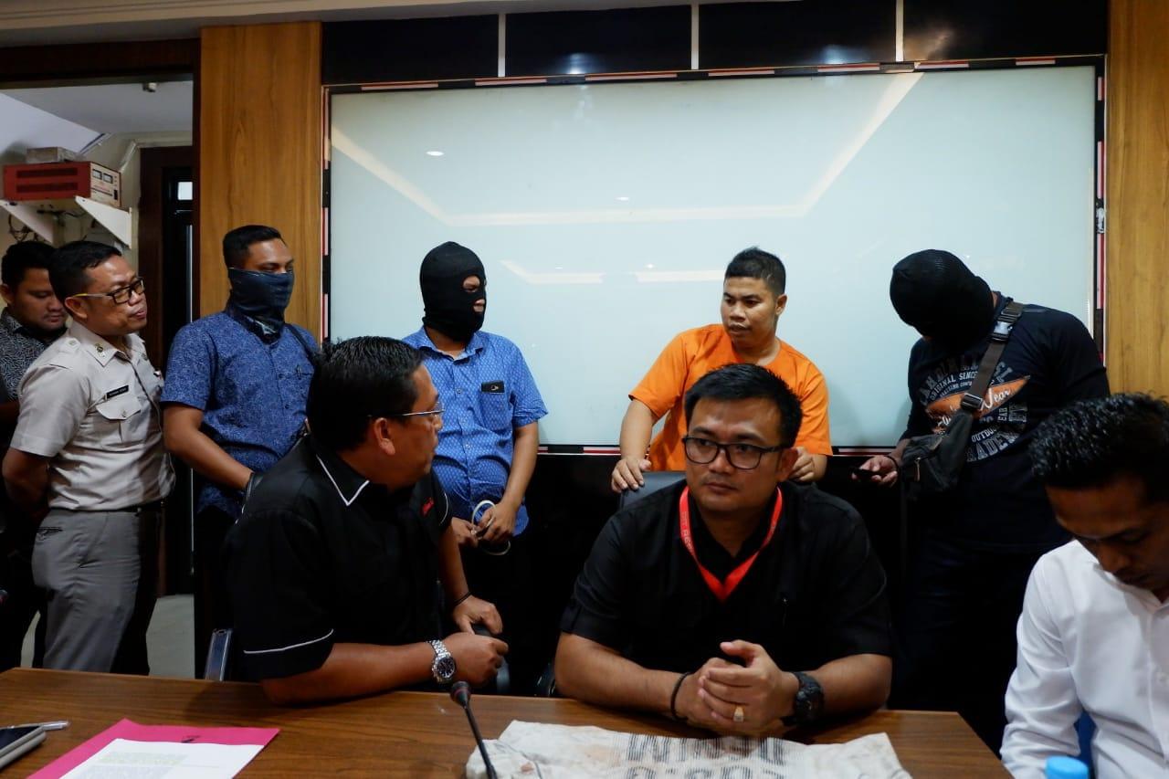 Ekspos kasus pembunuhan guru SD di Inhu yang dipicu hutang piutang.
