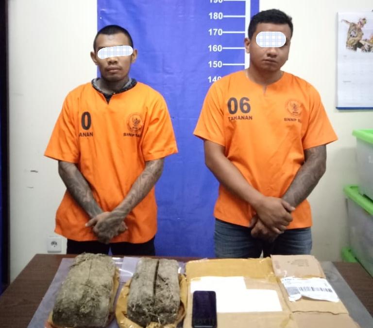 Dua residivis ditangkap lagi terkait paket ganja di Pekanbaru. Padahal keduanya baru dibebaskan karena pencegahan wabah corona.
