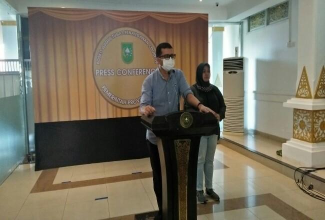 dr Indra Yovi saat konferensi pers.