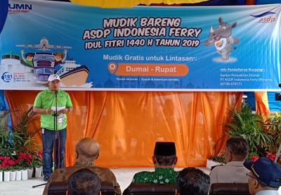 GM PT ASDP Indonesia Ferry (Persero) Cabang Batam Media Syahrianto menyampaikan sambutan.