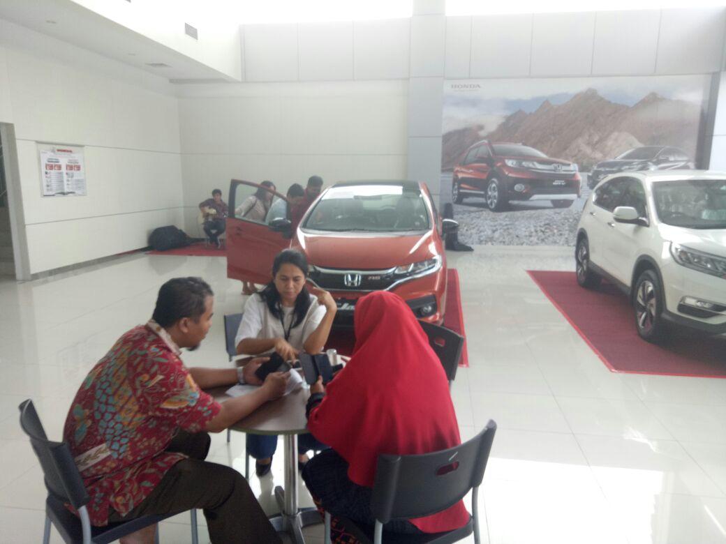 New Honda jazz hadir di showroom Honda SM Amin, Pekanbaru