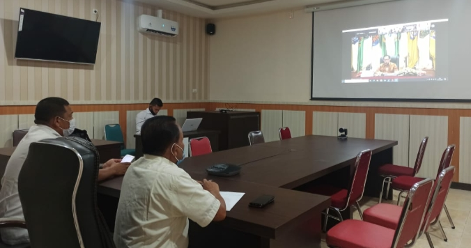 Kadis Kominfo Rohul, Yusmar hadiri pelaksanaan pengawasan pemerintah daerah secara virtual bersama Mendagri dan Wagubri.