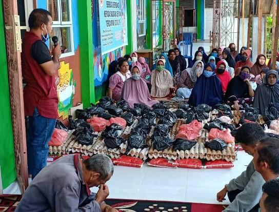 Ketua RW 01 Tuahmadani Syaifullah menyampaikan sambutannya.