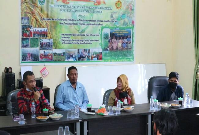 Bagus Santoso, Gatot Riono, Astud Iponi, Heri pada acara sosialisasi pupuk subsidi.