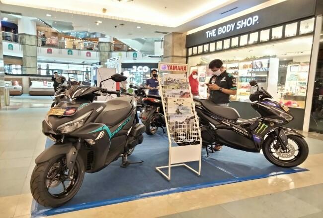 Nikmati promo akhir tahun pembelian motor Yamaha.