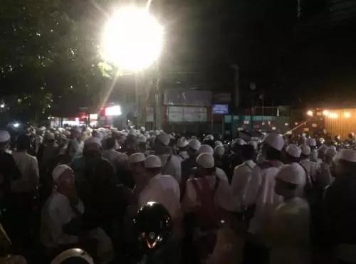Ribuan jamaah menghadiri acara Maulid Nabi di Tebet. FOTO : Okezone.com/Harits