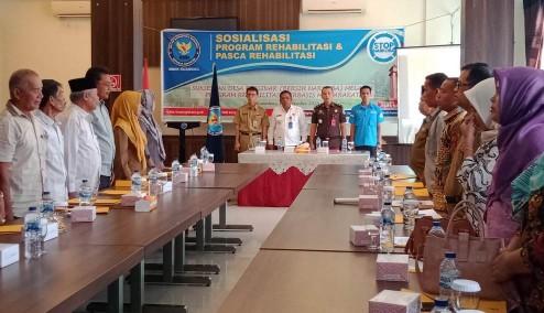 Kasi Pidum Moch Fitri Adhy wakili Kejari Kuansing hadiri acara sosialisasi program rehab dan pasca rehab.