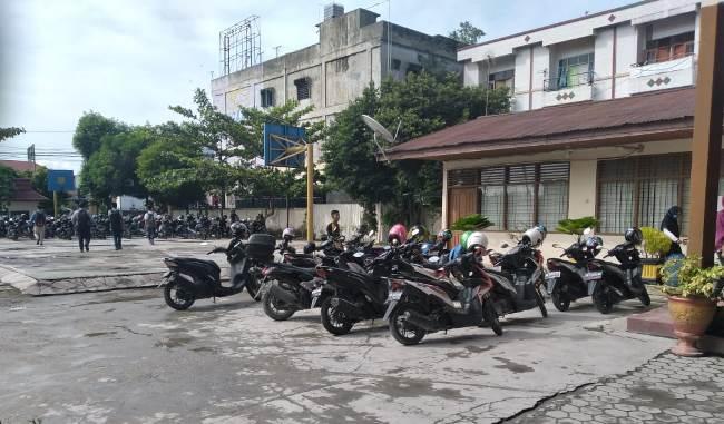 SMA Tri Bhakti Jalan Tuanku Tambusai, Pekanbaru