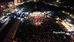 Puluhan ribu orang padati lapangan taman bukit gelanggang Dumai hadiri Tabligh Akbar bersama UAS. FOTO: Istimewa