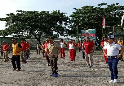 Pererat silaturahmi, Pemko Dumai, TNI-Polri gelar olahraga Bbrsama di Lapangan Kodim 0320/Dumai.