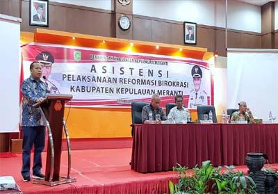 Bupati Kepulauan Meranti Drs H Irwan beri sambutan saat buka Asistensi Pelaksanaan Reformasi Birokrasi Kepulauan Meranti.