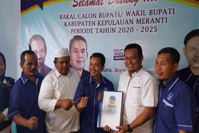 Hery Saputra SH mengambil formulir pendaftaran Calon Bupati dan Wakil Bupati Kepulauan Meranti di DPD Partai NasDem