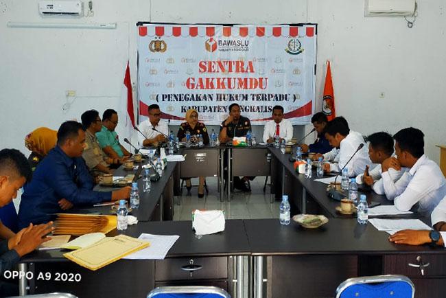 Rapat Bawaslu dengan Sentra Gakkumdu.