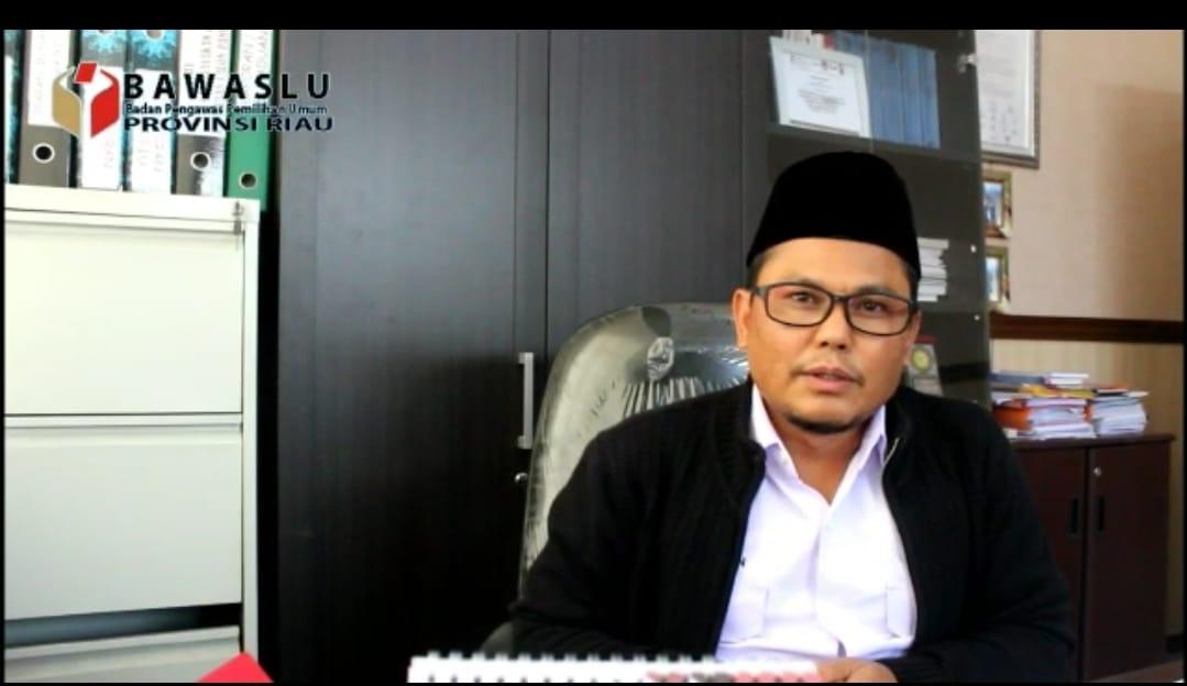 Kepala Bawaslu Riau Rusidin Rusdan