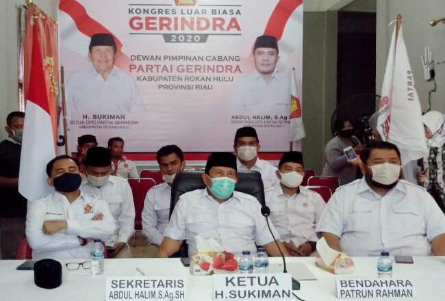 Ketua DPC Gerindra Rohul H Sukiman bersama pengurus lainnya, ikuti KLB DPP Gerindra yang dilaksanakan secara virtual, di kantor DPC Gerindra Rohul.