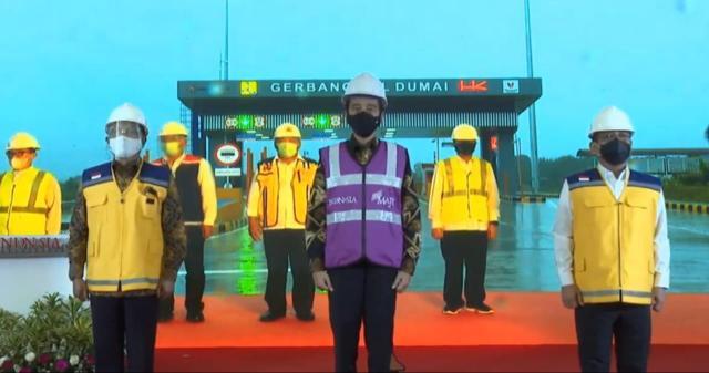 Peresmian Tol Pekanbaru-Dumai secara virtual oleh Presiden Joko Widodo.