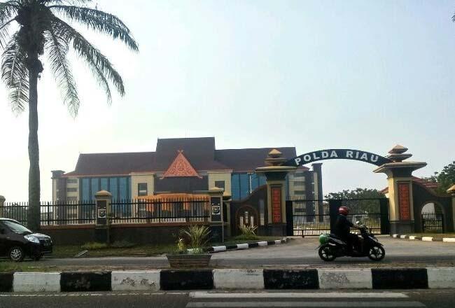 Gedung baru Mapolda Riau.
