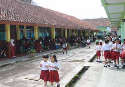 Hasil gambar untuk sekolah