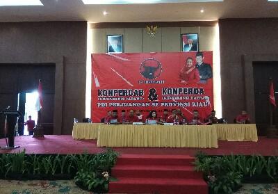 Konferensi Cabang (Konfercab) dan Konferensi Daerah (Konferda) PDI Perjuangan se-Provinsi Riau, Minggu (30/6/2019) di Hotel Aryaduta Pekanbaru.
