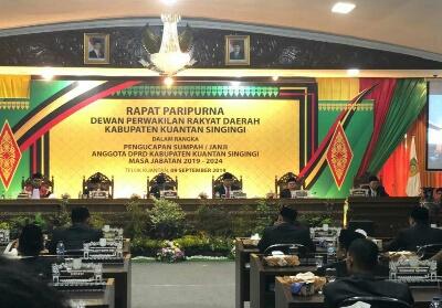 Rapat Paripurna DPRD Kuansing.