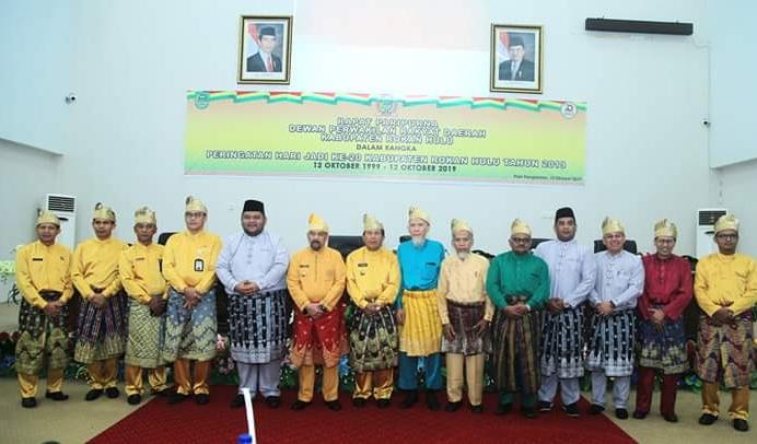 Foto bersama saat Rapat Paripurna DPRD Kabupaten Rohul.