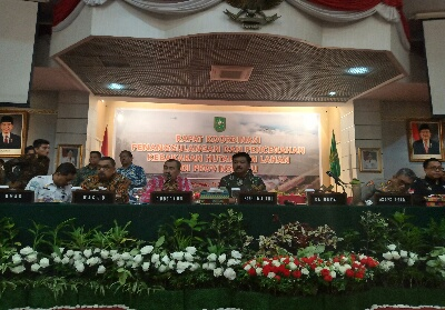 Rapat koordinas penceghan dan penanggulangan Karhutla di Riau.