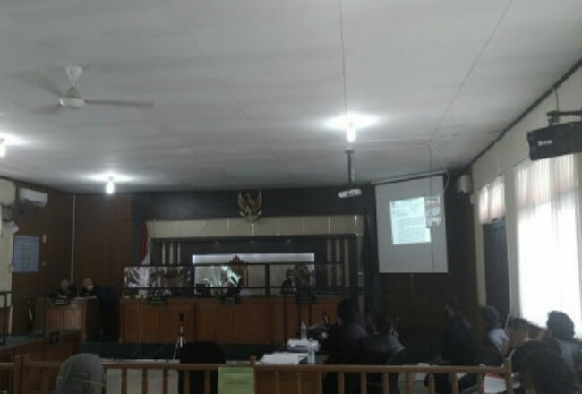Sidang kasus Bupati Non Aktif Amril Mukminin. Foto: Cakaplah