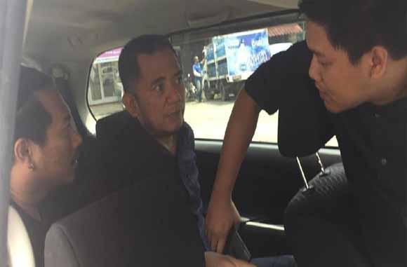 Komarudin saat diciduk polisi benaran.