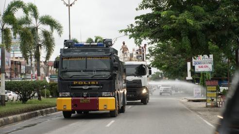 Polres Pelalawan bersama PT RAPP dan PT Asia Pacific Rayon di sepanjang jalan Lintas Timur, Kota Pangkalan Kerinci, Kabupaten Pelalawan