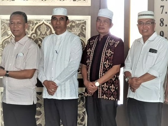 Rektor UIR Prof. Syafrinaldi bersama Wakil Rektor I Dr Syafhendry, Wakil Rektor II Dr Ir Asrol dan Wakil Rektor III Ir Rosyadi.