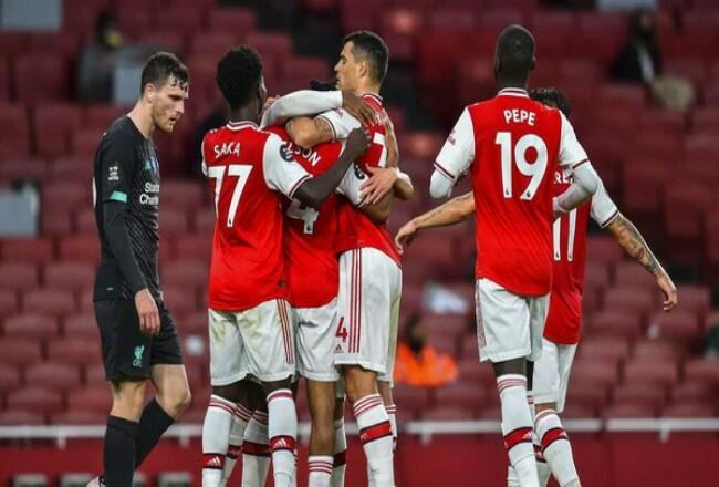 Salah satu hasil Liga Inggris pada dini hari WIB: Liverpool menelan kekalahan di kandang Arsenal. Foto: Detik