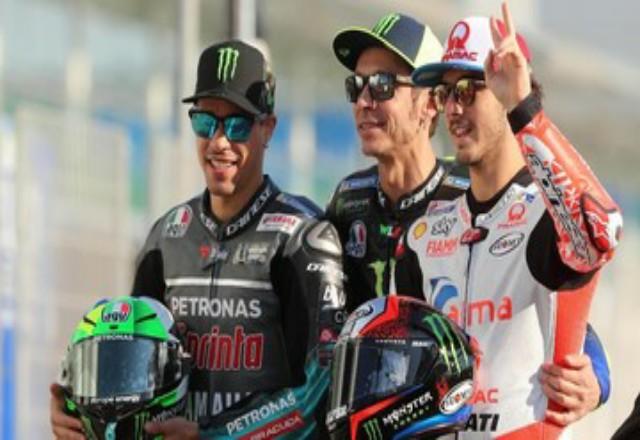 Valentino Rossi akan melawan tiga mantan pembalap akademi VR46 di MotoGP 2021. Foto: CNNINdonesia